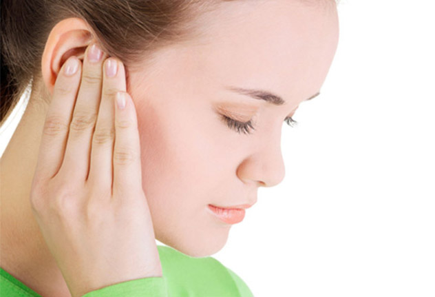 Болят уши внутри причины