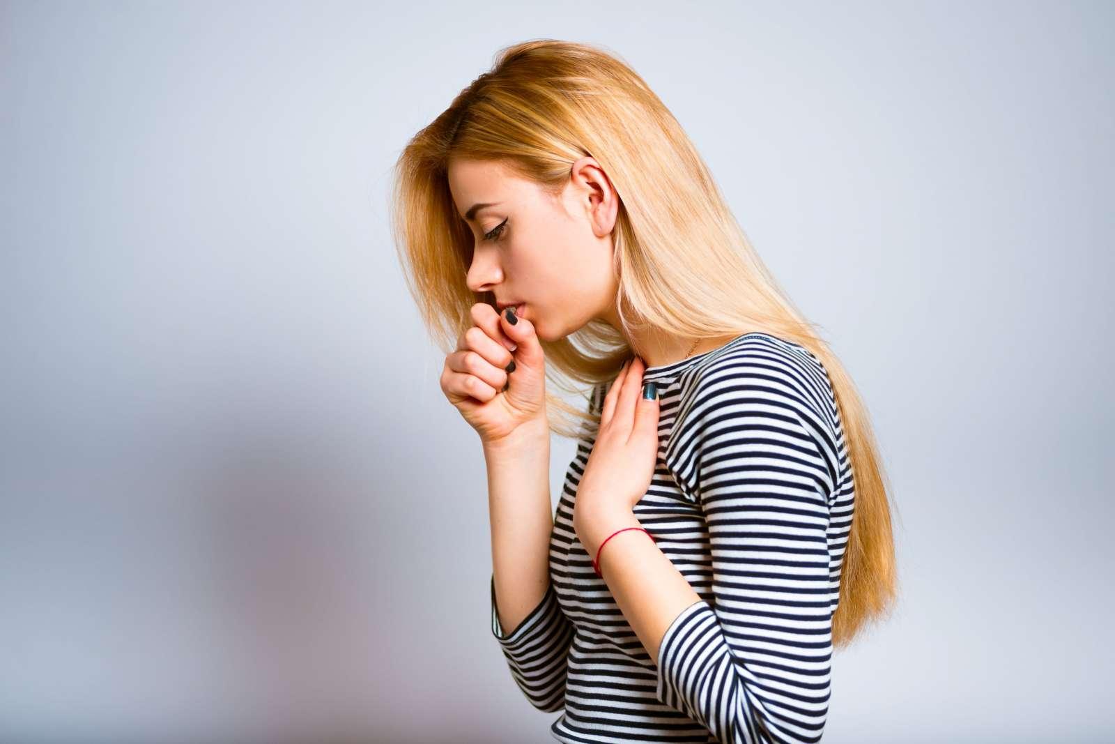 Пропал голос кашель чем лечить в домашних условиях