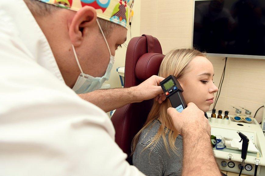 Первая помощь при боли в ушах
